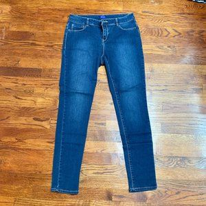 Simply Styled Skinny Jeans